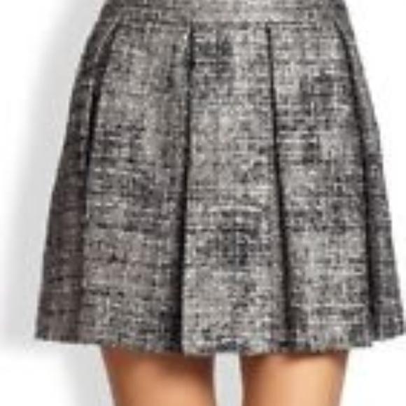 628627a0f Alice + Olivia Dresses & Skirts - Alice + Olivia Silver Tweed Mini Skirt -  Size